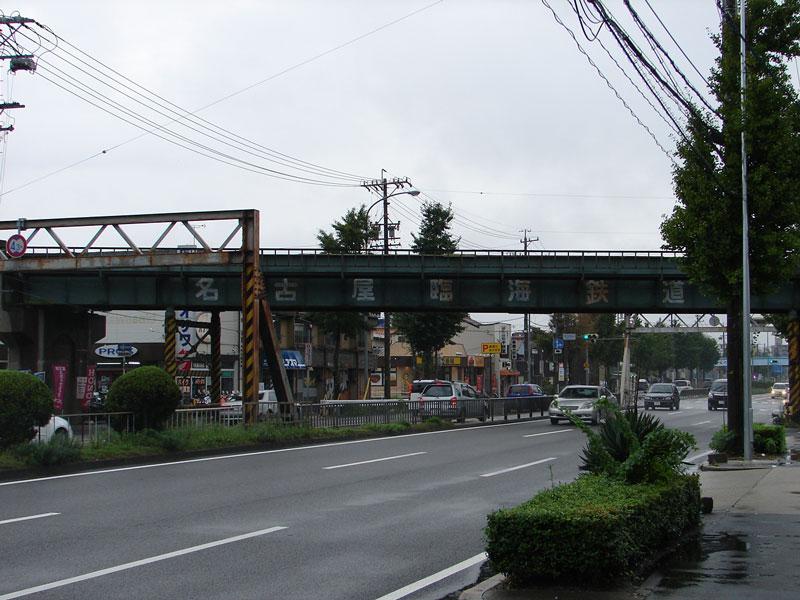 国道247号線を渡る名古屋臨海鉄道高架橋之圖